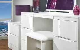 Glossy White Desk by Colour Me White For A Tranquil Living Space Boshdesigns Com