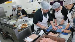 cuisine mondial ces femmes réfugiées cuisinent pour le mondial