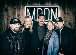 lionel richie home joel madden shares photo with richie family and cameron diaz