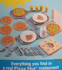 amazon com barbie pizza hut restaurant playset 2001 toys u0026 games
