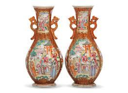 mandarin porcelain a pair of famille mandarin pattern vases qianlong period