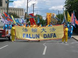 thanksgiving parade in chicago indiana falun gong procession shines at the indianapolis 500