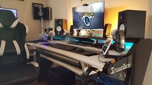 Small Music Studio Desk by Studio Desk Beat Muallimce