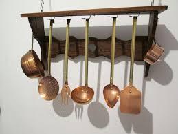 ustensiles de cuisine en cuivre lot de 5 ustensiles de cuisine en cuivre et étagère en bois