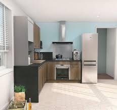 portes cuisine cuisine mais fonctionnelle le bleu du mur rehausse