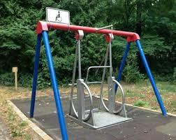 handicap swing une balan礑oire adapt礬e wheelchair fauteuil adapt礬 handicap
