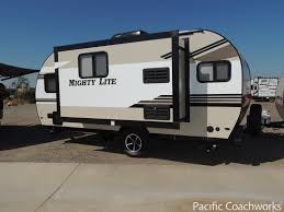 light weight travel trailers pacific coachworks inc mighty lite travel trailer 17rk pacific