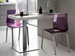 table bar pour cuisine cuisines table murale en gris et violet avec chaises assorties