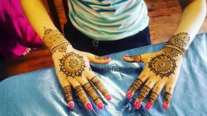 hire henna art by faiza henna tattoo artist in surrey british