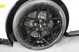 camaro z28 brakes picture other 2014 chevy camaro z28 carbon ceramic brakes jpg
