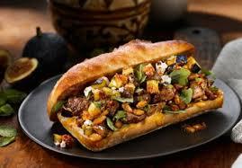 cuisine nord africaine sandwich nord africain à l agneau avec harissa et figues recette