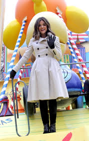 thanksgiving 2014 parade lucy hale 2014 macys thanksgiving day parade 21 gotceleb