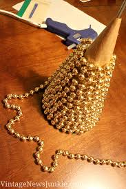 diy gold beaded christmas tree holiday ideas pinterest