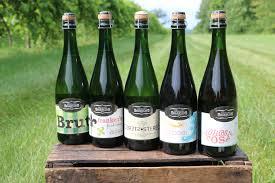 illinois sparkling co august hill winery enjoy illinois