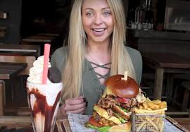 Challenge Lad Bible Absolutely Destroys 28oz Burger In Food Challenge