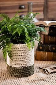 manchette cache pot les 25 meilleures idées de la catégorie crochets pots de fleurs