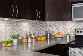 cuisine avec plan de travail en granit plan de travail en granit critères de choix et prix ooreka