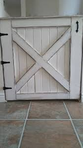 Half Barn Door by Best 25 Barn Door Baby Gate Ideas On Pinterest Farmhouse Pet