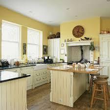 oak kitchen cabinets yellow walls yellow kitchen walls with oak cabinets page 1 line 17qq