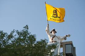 Don T Tread On Me Flag History Don U0027t Tread On Me U0027 Flag Being Investigated By The Eeoc As Possibly