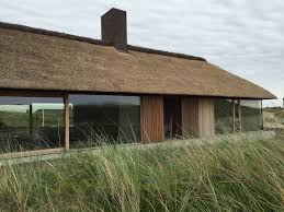 Modern House Roof Design Best 25 Thatched Roof Ideas On Pinterest Stone Cottages