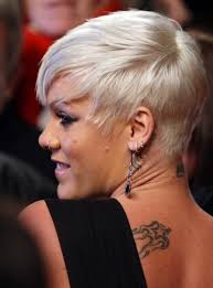 pinks current hairstyle 63 best rock star pink images on pinterest beth moore alecia