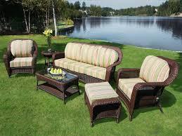 divanetti in vimini da esterno come scegliere i divani da giardino