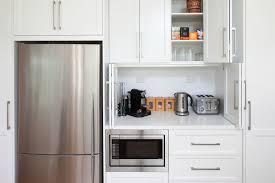 meuble mural cuisine meubles muraux cuisine faades de placards carres en bois et en