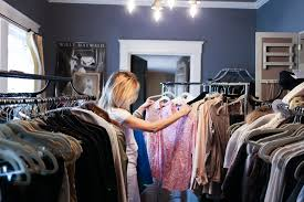 Cleaning Out Your Wardrobe Toss It Or Keep It Cleaning Out Your Closet Yourstylevault Com