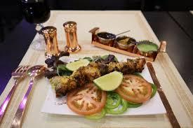 les herbes de cuisine seekh kebab viande hachée d agneau avec herbes fraîches cuites au