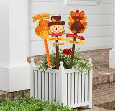 outdoor thanksgiving decorations thanksgiving outdoor decorations party city