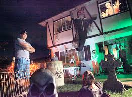 How To Decorate For Halloween In House by Put Some Extra Fright In Your Halloween Night