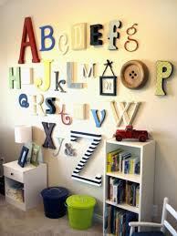 lettres décoratives chambre bébé les lettres décoratives dans l intérieur moderne archzine fr