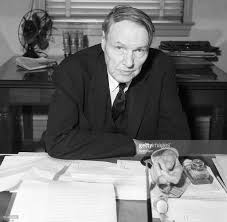Desk Defender Clarence Darrow Seated At His Desk Pictures Getty Images