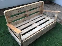 comment fabriquer un canapé en bois de palette fabriquer une banquette en palette maison design sibfa com