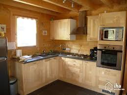 cuisine chalet bois location chalet à prénovel avec 5 chambres iha 46151