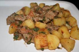 cuisiner du boeuf en morceaux boeuf braisé avec ses pommes de terre au cumin