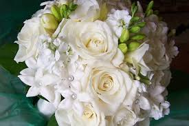 white bouquet all white bouquet with roses