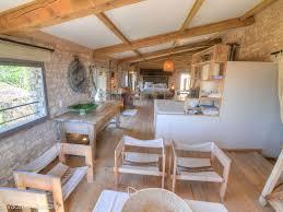 idillic village house with courtyard and basin pouzilhac