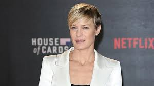 robin wright pushed for equal pay in house of cards guide