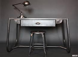 bureau en acier bureau tubulaire en acier brut meuble de métier