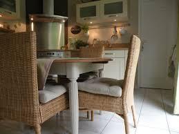 repeindre une table de cuisine en bois repeindre vieille cuisine affordable faire une allee de jardin fixe
