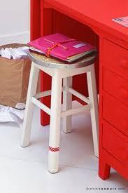 sous bureau fille bonnesoeurs decoration sous les toits 05 bureau enfant fille pot a