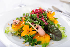 Salad With Edible Flowers - how to use edible flowers