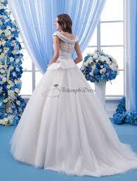 amazing cowl neckline wedding dress