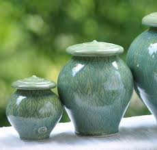 small urn green leaves urn small size lucia urns