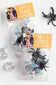 halloween party goody bags bugs and kisses diy halloween goodie bag