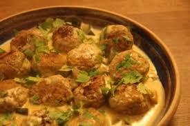 cuisiner boulette de viande recette de boulettes grillées au curry sauce courgettes la