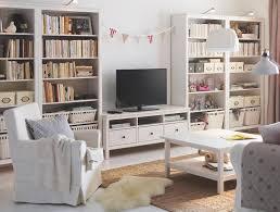 wohnzimmer einrichten ikea bücherregal hemnes ikea bild 6 living at home