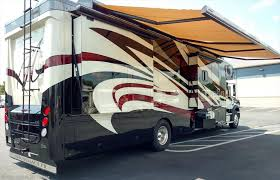 Automatic Rv Awning Rv Find Of The Week 2015 Show Hauler Motorcoach 40gls U2039 Rv